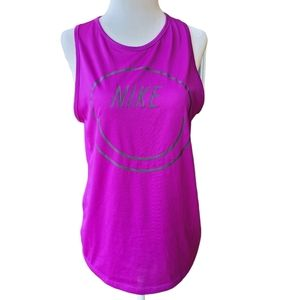 😁 NIKE Women's Dry Fit Top Size S